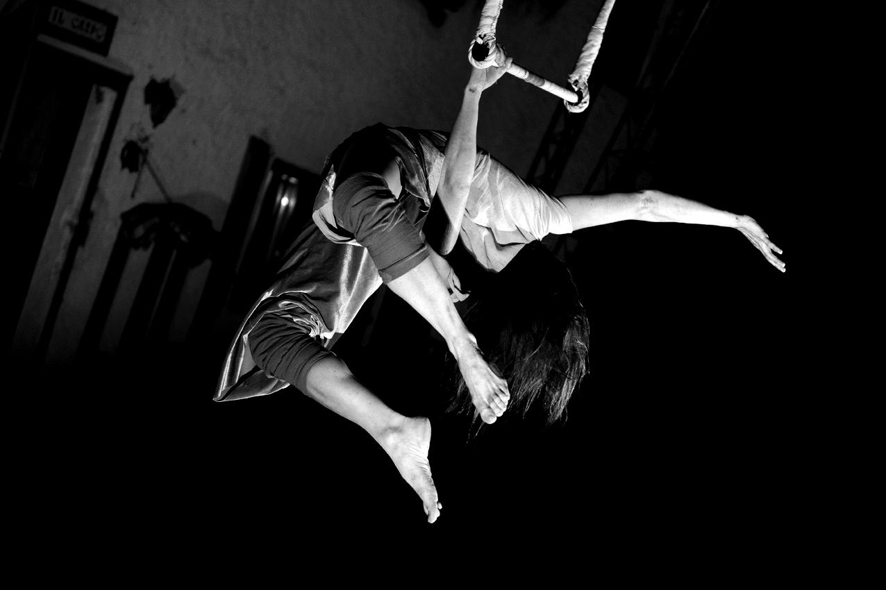 """La Trapezista - dal festival di circo contemporaneo della Val Colvera, nel parco delle Dolomiti Friulane """"Brocante"""""""